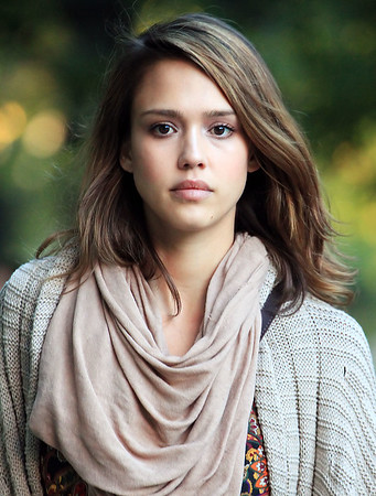 2011-10-22 - Jessica Alba and family