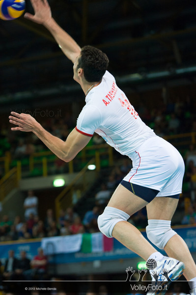 Armin Tashakori [IRI] serve - Italia-Iran, World League 2013 - Modena