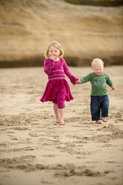 9800_d800_Darcey_M_Lighthouse_Field_Dog_Beach_Santa_Cruz_Family_Photography.jpg