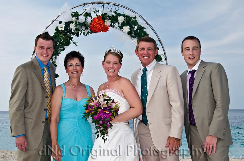 083 Wedding & Dinner - Heather & Family.jpg