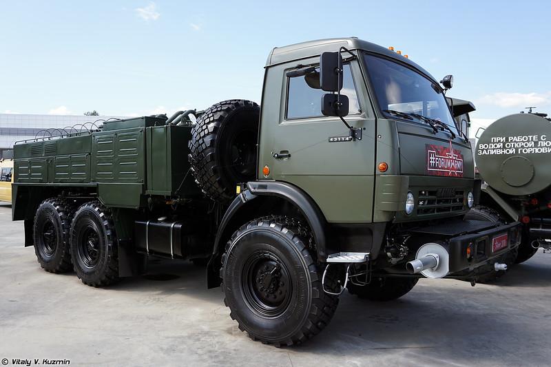 Авторазливочная станция АРС-14КМ (ARS-14KM decontamination vehicle)