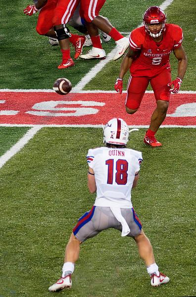 Quinn makes a 4-yard reception ...