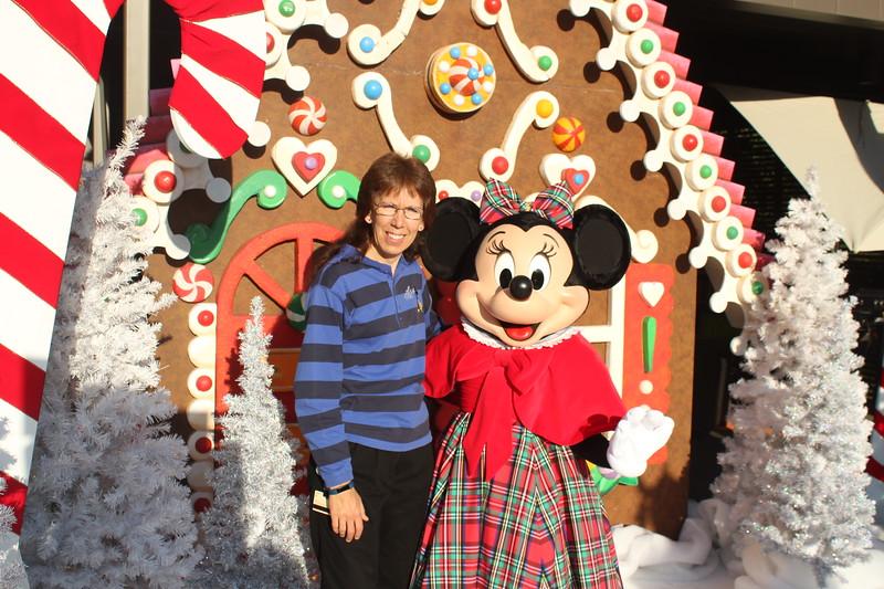 Walt_Disney_Imagineering_Holiday_2017_Individuals_ (23).JPG