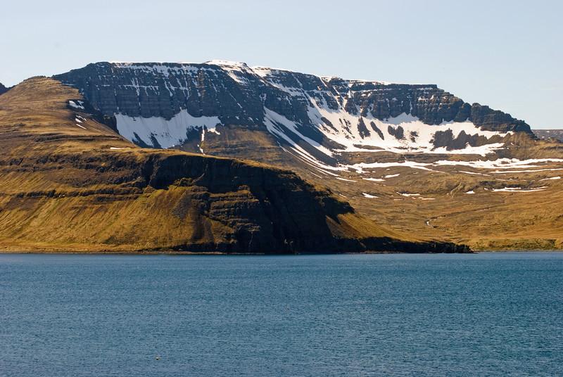 Einbúi, Hafnarnes, Tröllakambur, Darri, hluti Atlaskarðs og Rekavík bak Höfn