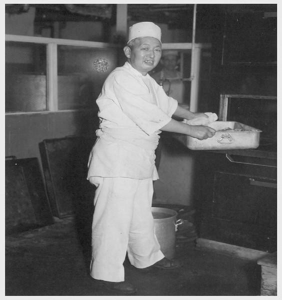 ShizuoMitsuhata-chefAtClifton'sCafeteria-AfterEvacuation1945-06-27.jpg