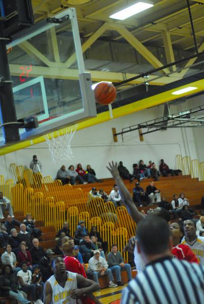 20090301_MCC Basketball_5644.JPG