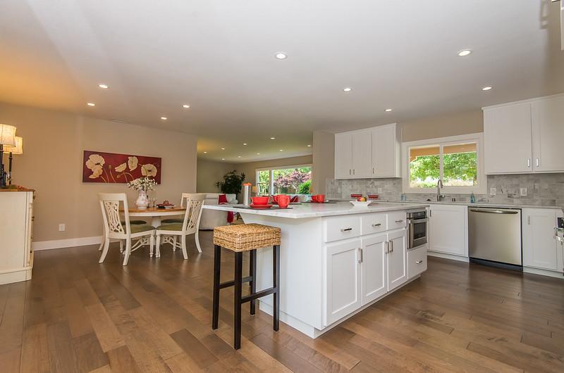 DSC_4294_kitchen.jpg