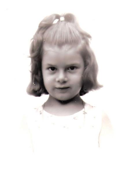 Isabel Ermida em Andrada, com 4 anos