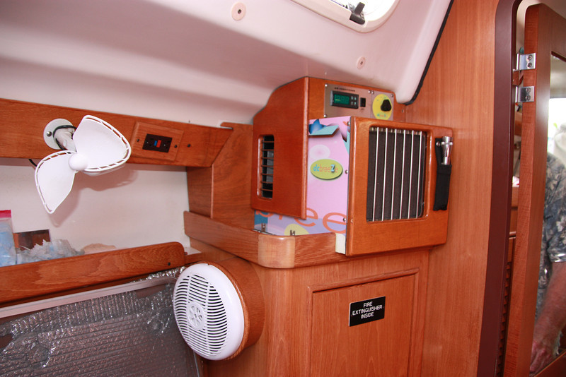 TUIT forward berth 12V AC  side view and speaker.JPG