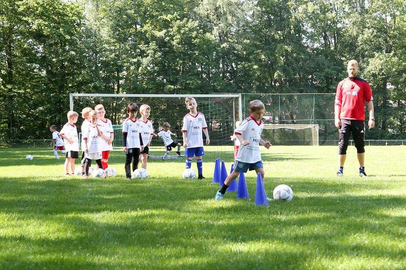 hsv_fussballschule-126_48047990758_o.jpg