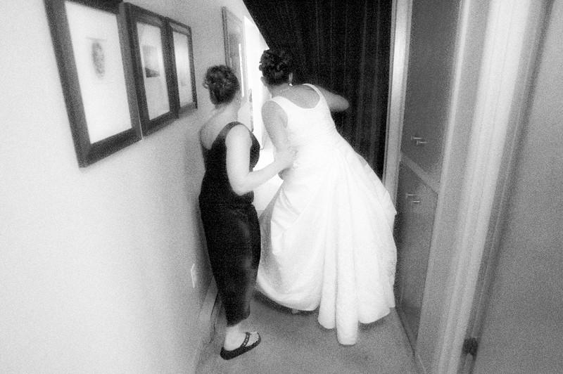 Traci spies on her groom,