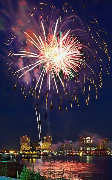 Fireworks to start Harborfest 2012