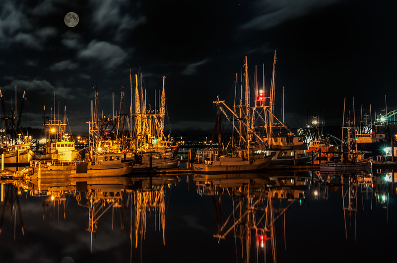 Night at Yaquina Bay Harbor