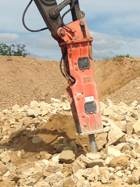 NPK GH15 hydraulic hammer on Volvo EC380DL excavator 2 (7).JPG