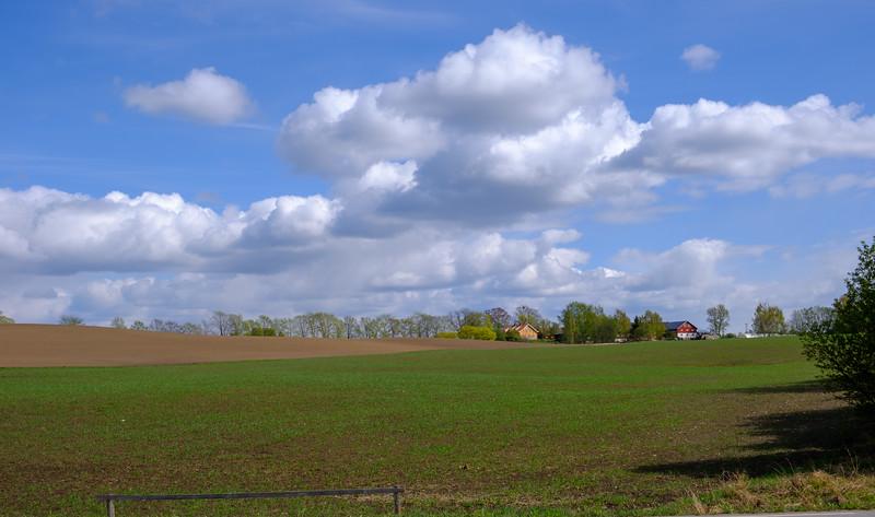 Alm gård