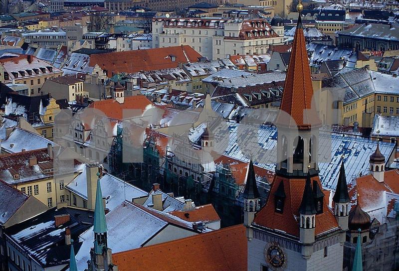 Munich from Peter's Church.jpg