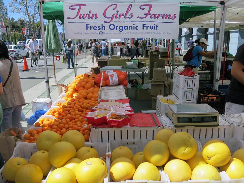 Farmers market fruit.jpg