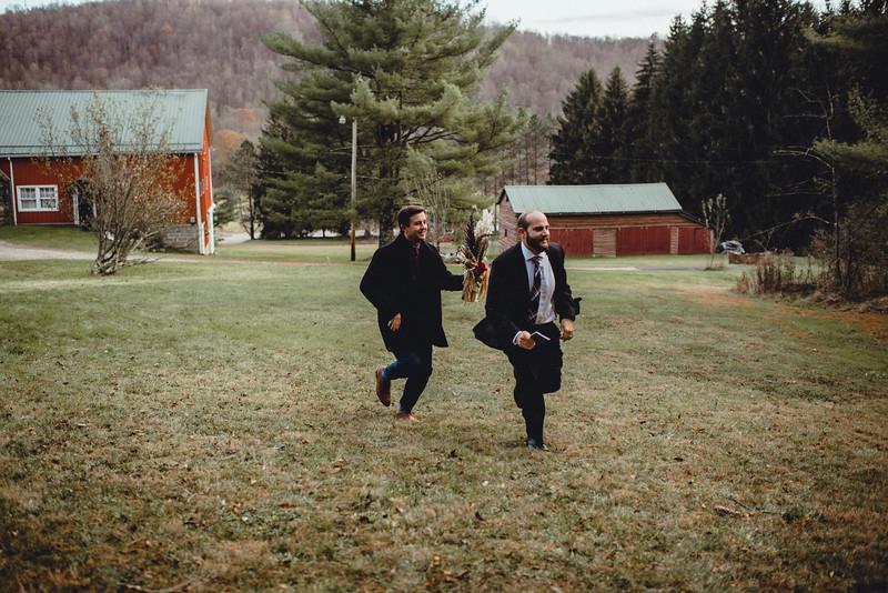 Requiem Images - Luxury Boho Winter Mountain Intimate Wedding - Seven Springs - Laurel Highlands - Blake Holly -1031.jpg
