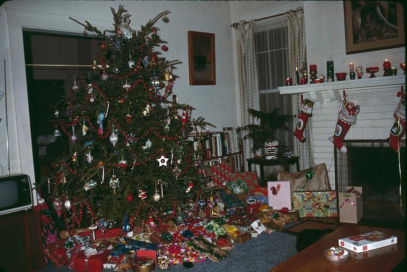 1979 12 Christmas 3.jpg
