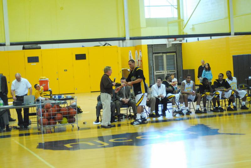 20090301_MCC Basketball_5750.JPG