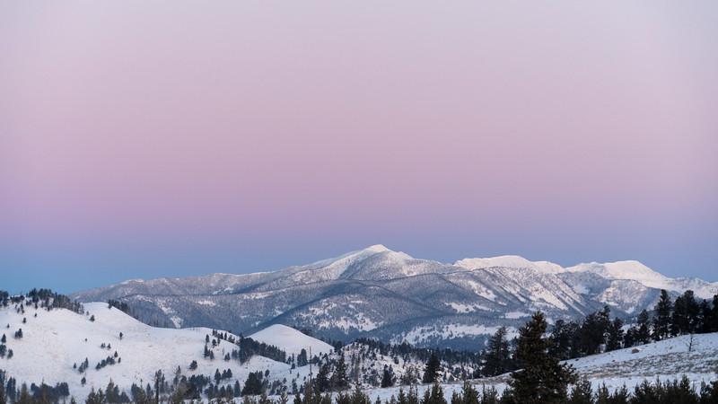 _AR71033 Pnenumbra over snow 16*9.jpg