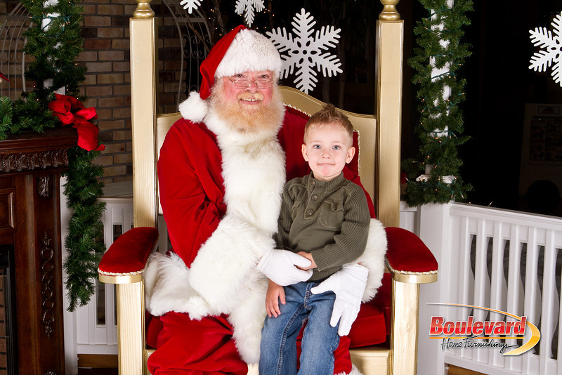 Santa Dec 8-306.jpg