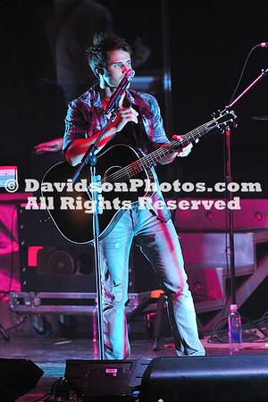 Maroon 5 & Kris Allen Concert