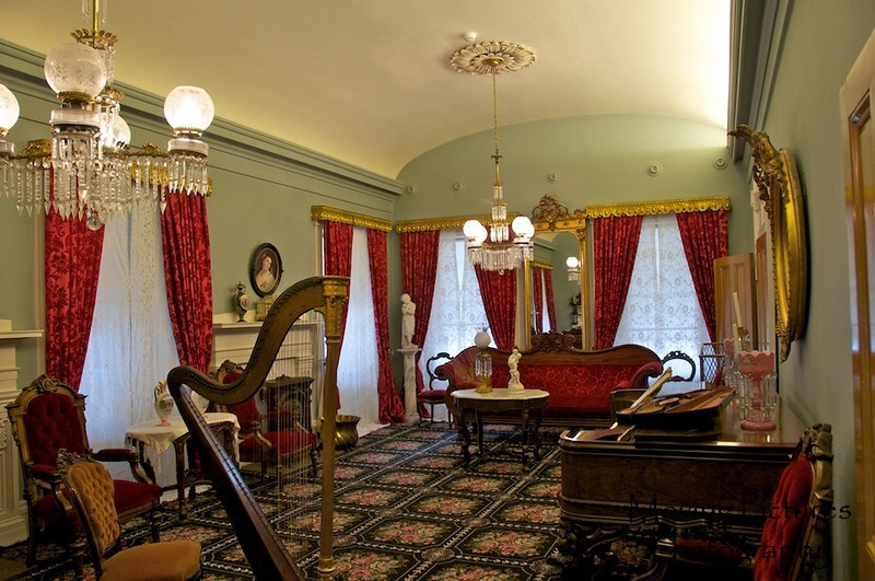 Inside the Beehive House - Brigham Young's Home