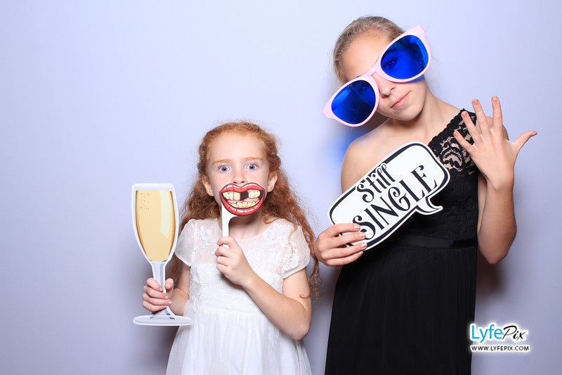 phoenix-maryland-wedding-photobooth-20171028-0356.jpg