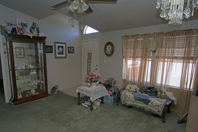 family room a.jpg