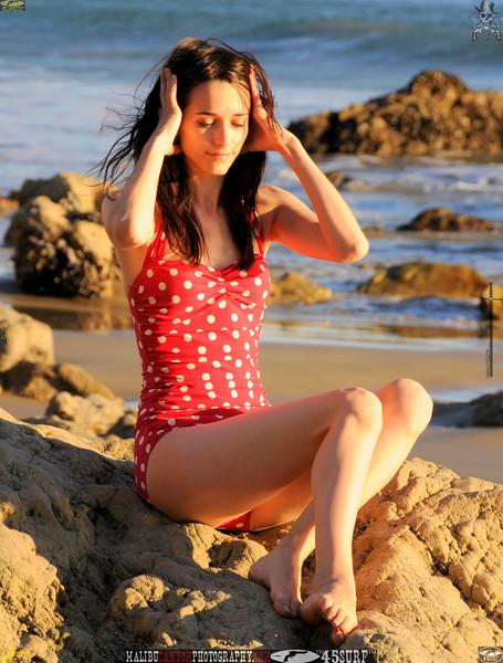 matador swimsuit malibu model 956..00....jpg