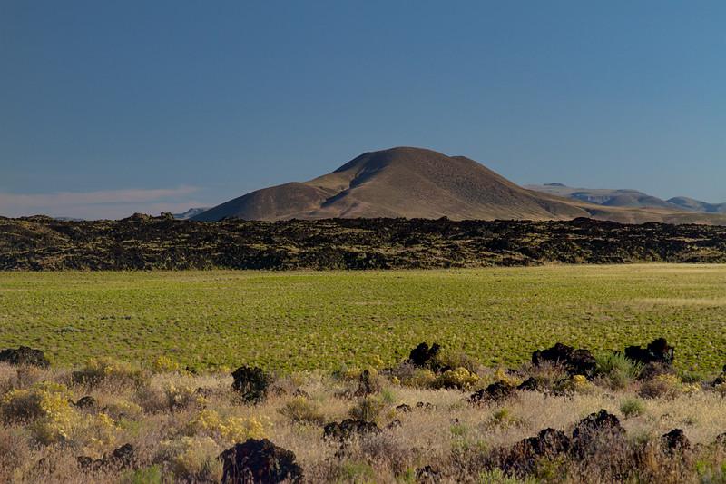 Black Rock Lava Flow, Lunar Crater National Landmark.