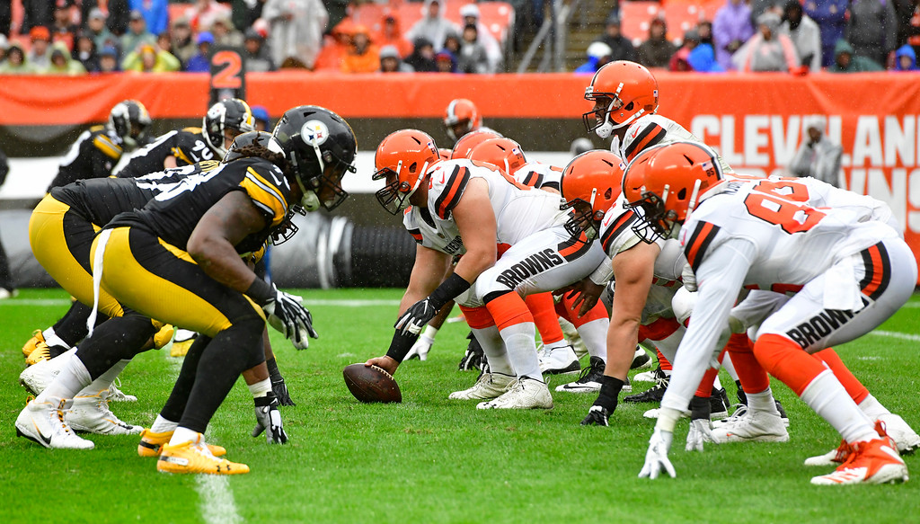. The Cleveland Browns and the Pittsburgh Steelers line up during the second half of an NFL football game, Sunday, Sept. 9, 2018, in Cleveland. (AP Photo/David Richard)