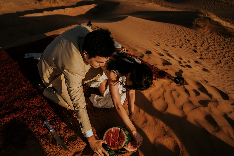 Tu-Nguyen-Destination-Wedding-Photographer-Morocco-Videographer-Sahara-Elopement-511.jpg