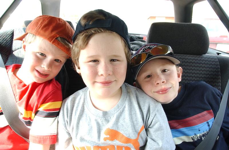 4/20/05  Russ Dillingham photos Boys family kids in back seat of Subaru