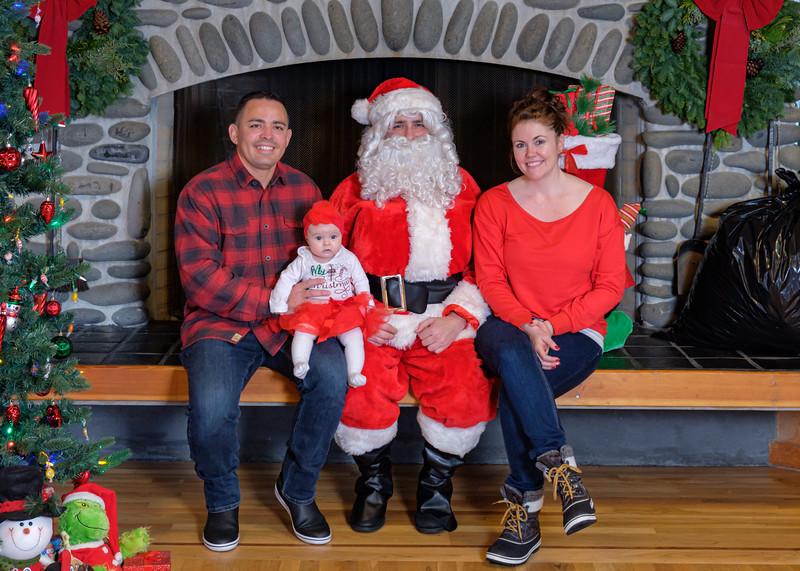 CB Santa 2019-7900.jpg