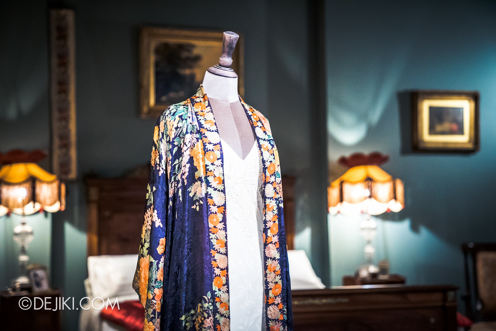 Downton Abbey The Exhibition - Lady Mary's Bedroom, Nightgown