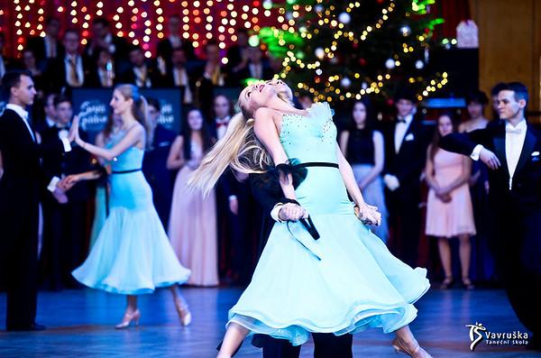 Vánoční ples kurzů pro mládež 13. 12. 2019