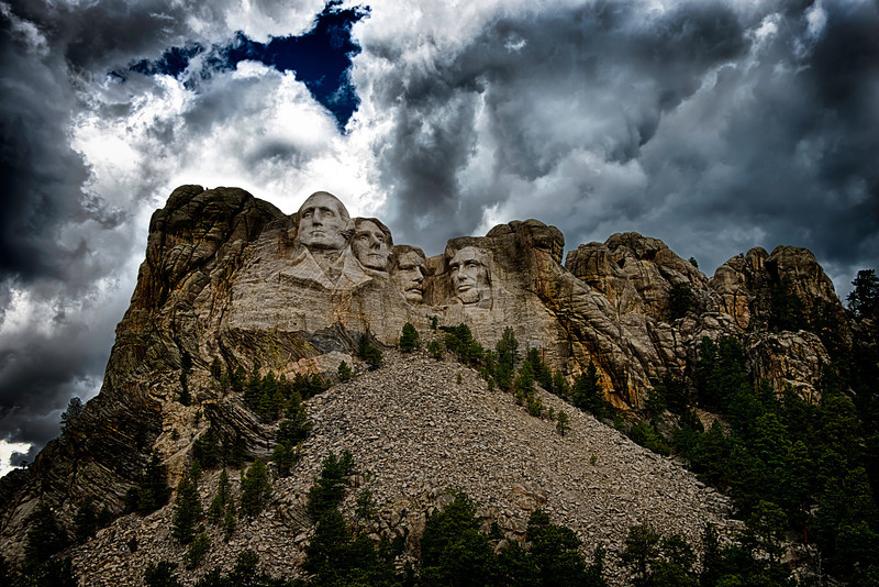 Mount Rushmore pulled back.jpg