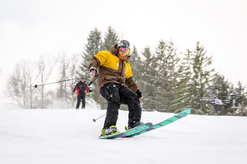 Ohio-Powder-Day-2015_Snow-Trails-10.jpg