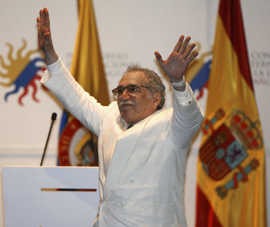 . Cartagena, COLOMBIA: Colombian writer and Nobel Prize laureate Gabriel Garcia Marquez (L) waves during the opening ceremony of the IV International Congress of the Spanish Language, in Cartagena, 26 March 2007. AFP PHOTO/Rodrigo ARANGUA (Photo credit should read RODRIGO ARANGUA/AFP/Getty Images)