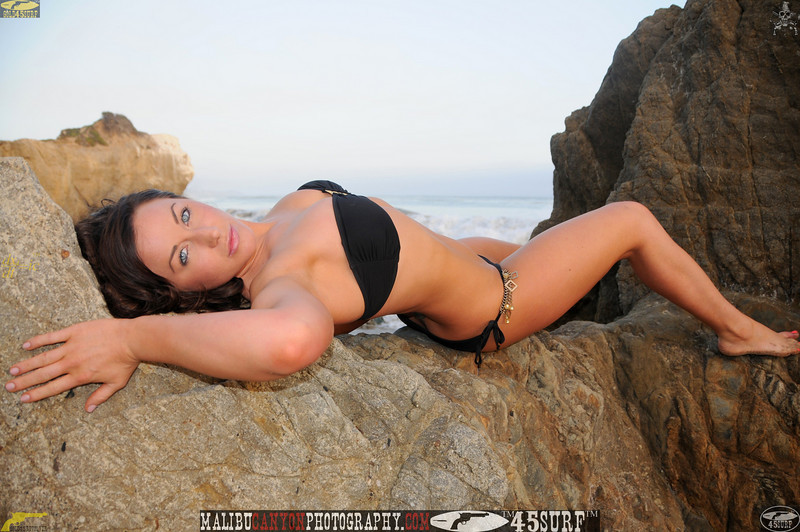 ,0,,malibu swimsuit model matador 45surf beautiful woman 781.jpg
