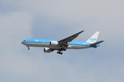 777-200