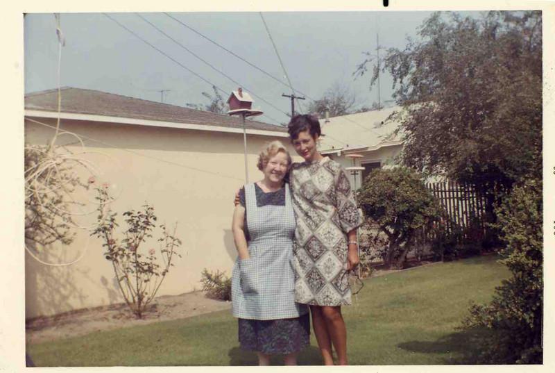 Oct. 1969 Jean and Verna.jpg