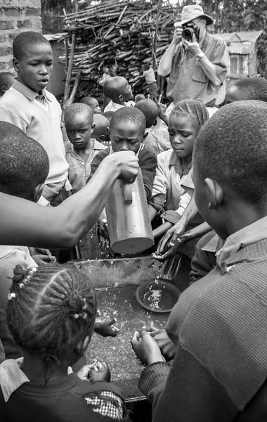 Roger in Kenya-4972 pse bw.JPG