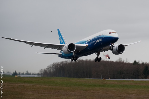 Boeing 787 Dreamliner First Flight