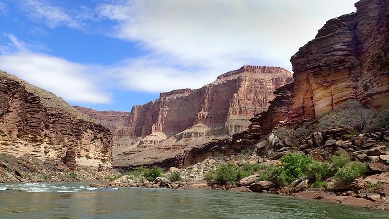 P5080975 river scene .jpg