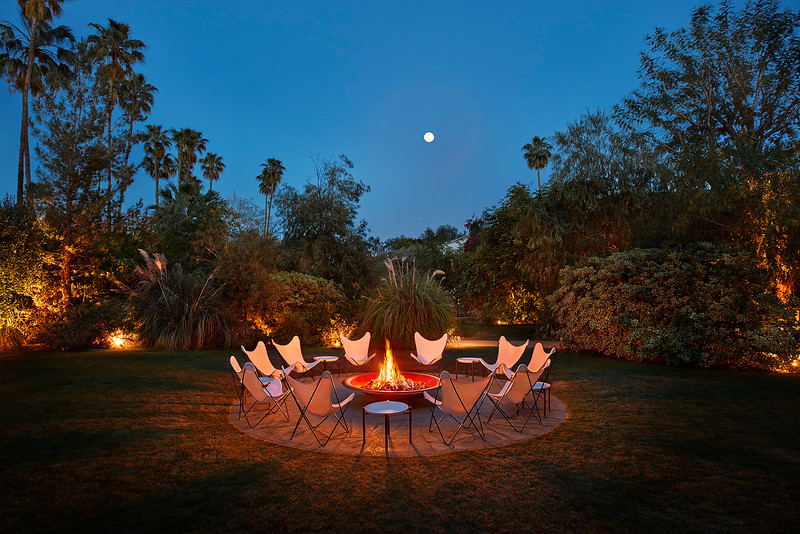 Outdoor.Firepit.at.night.jpg