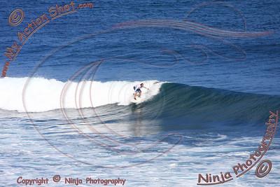 2008_06_15 - Surfing Uluwatu, BALI - Kurt