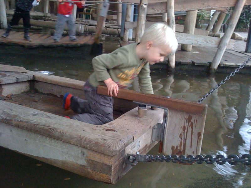 Bootje in de dierentuin 2.jpg